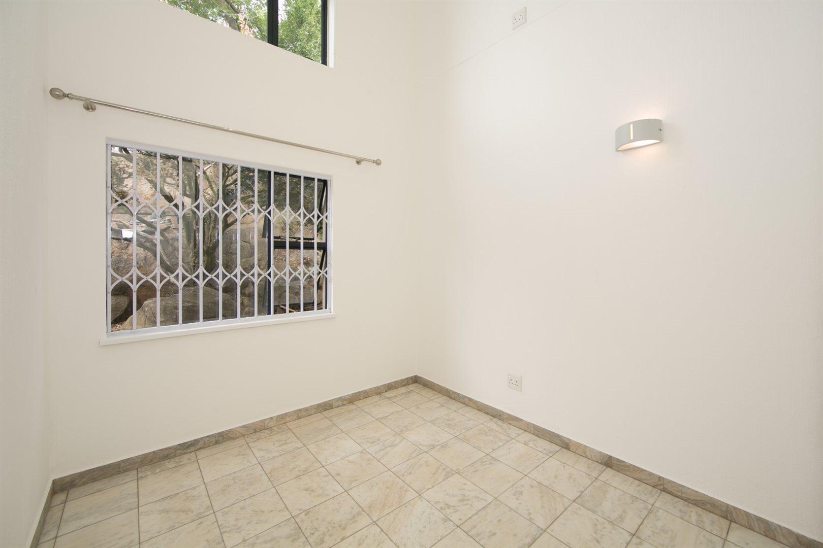 Fourways property to rent. Ref No: 13541041. Picture no 16