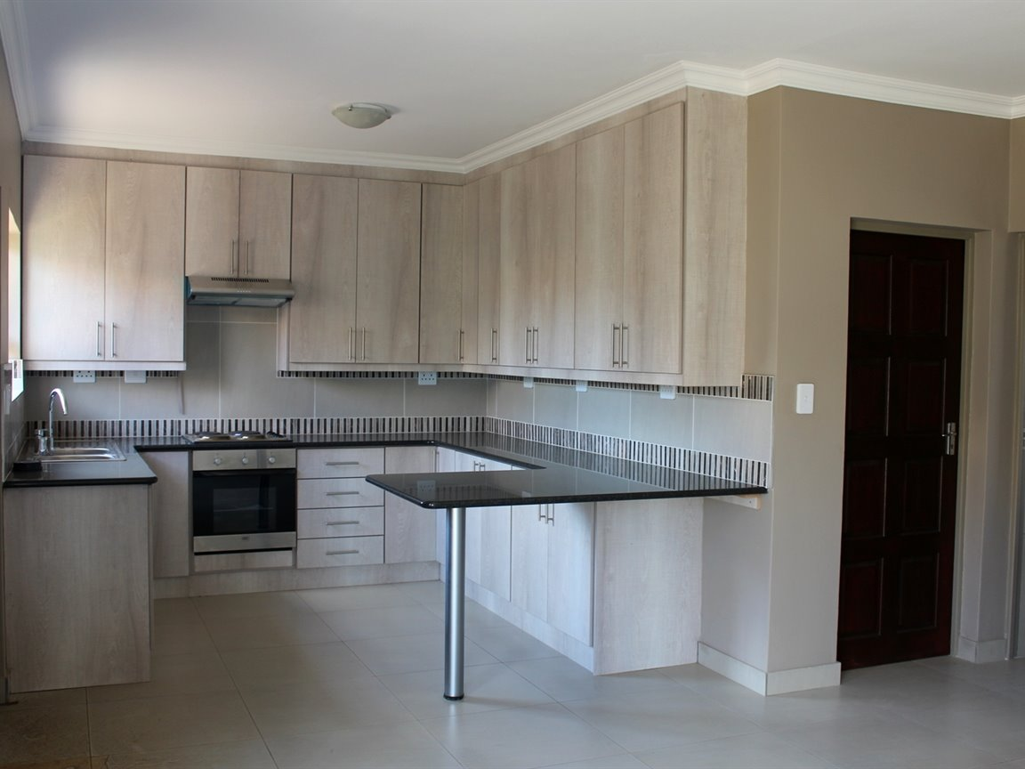 Mooivallei Park property for sale. Ref No: 13399402. Picture no 5