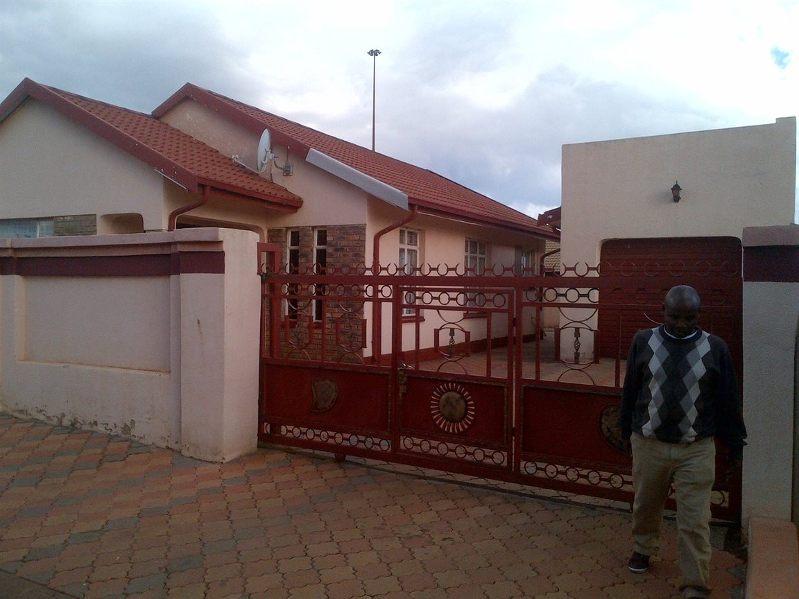 Sebokeng Zone 17 property for sale. Ref No: 12790084. Picture no 17
