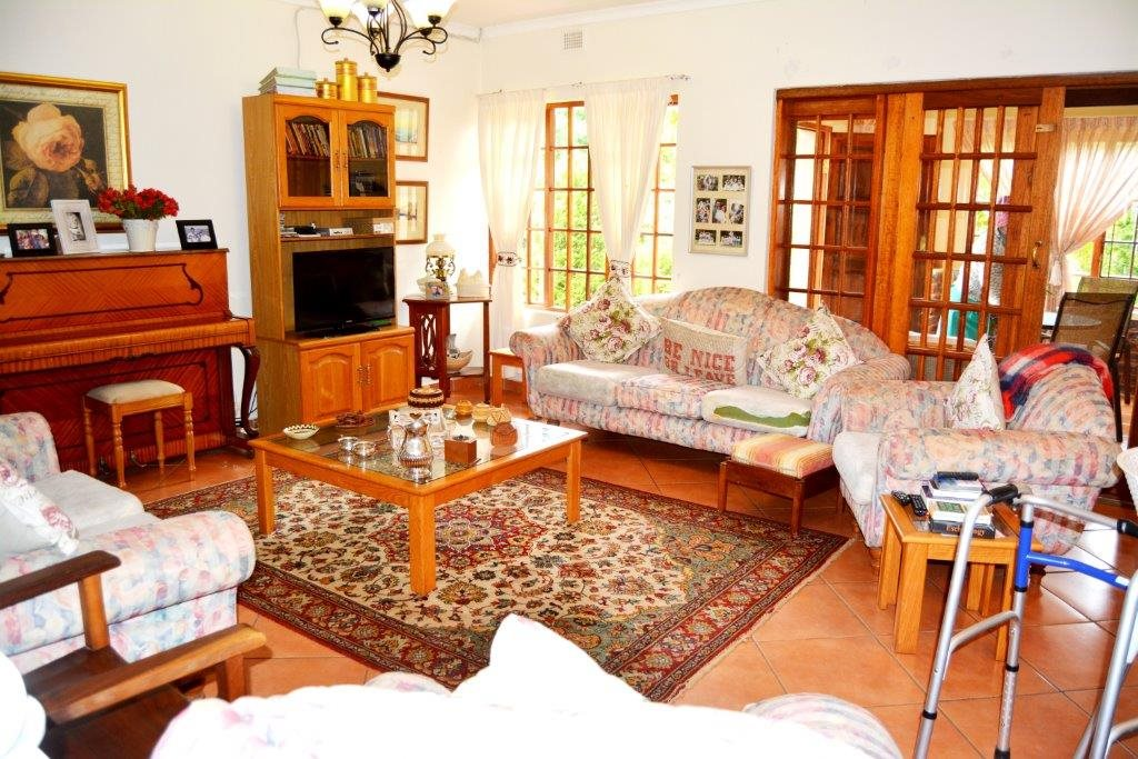 Uvongo property for sale. Ref No: 13386814. Picture no 6