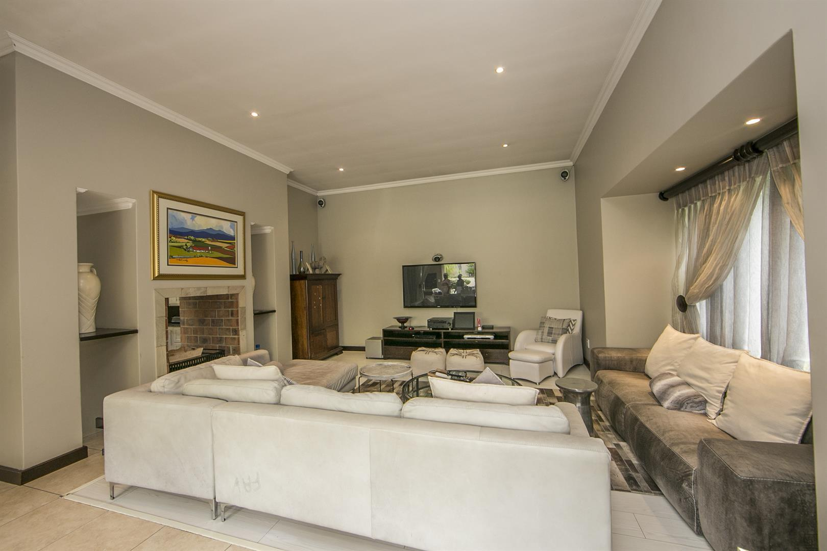 Fernbrook Estate property for sale. Ref No: 13439619. Picture no 8