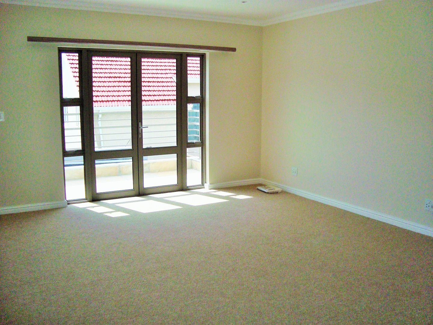 Claremont property to rent. Ref No: 13575482. Picture no 12