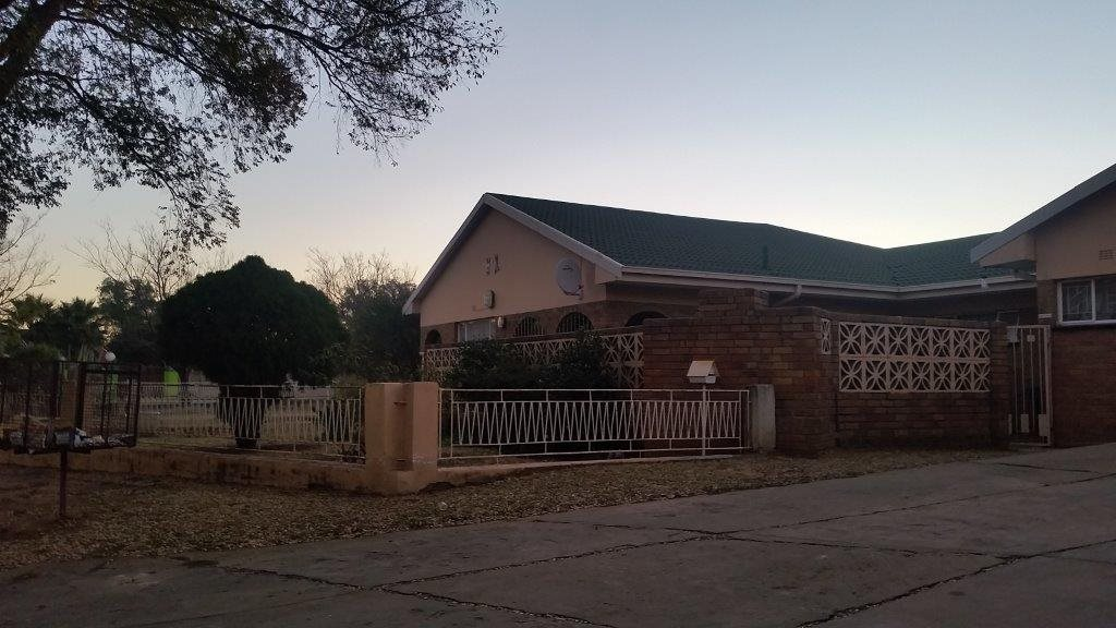 Vereeniging, Falcon Ridge Property  | Houses For Sale Falcon Ridge, Falcon Ridge, House 3 bedrooms property for sale Price:1,020,000