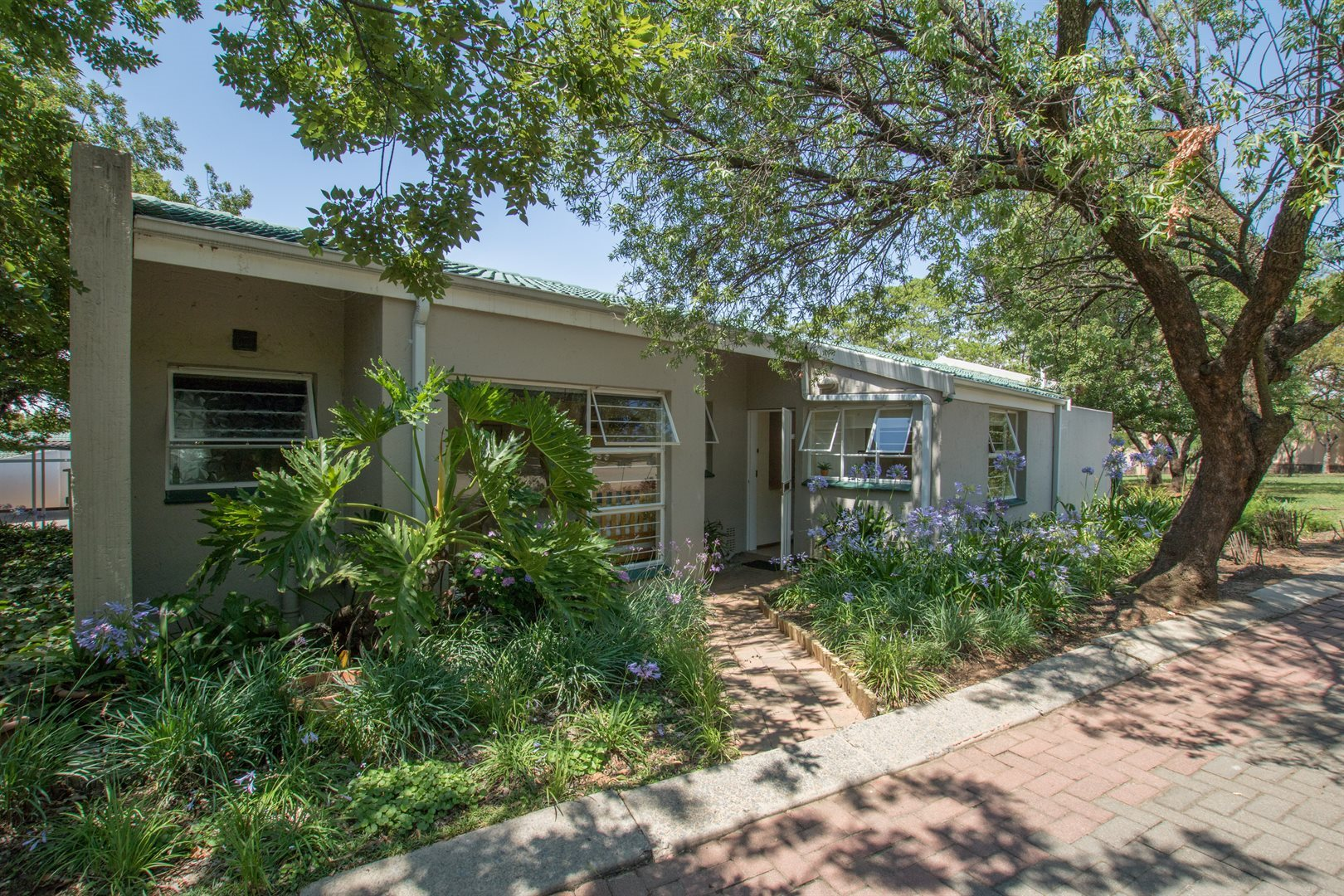 Lonehill property for sale. Ref No: 13566031. Picture no 15