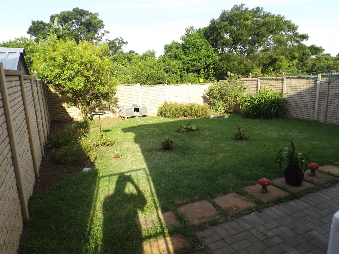 Property for Sale by DLC INC. ATTORNEYS Graham Hodson, Townhouse, 2 Bedrooms - ZAR 775,000