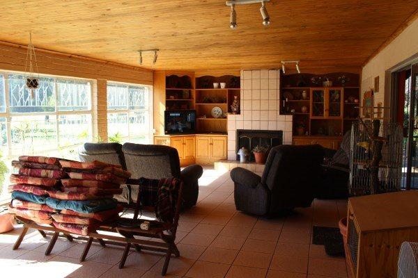 Unitas Park property for sale. Ref No: 12792390. Picture no 18