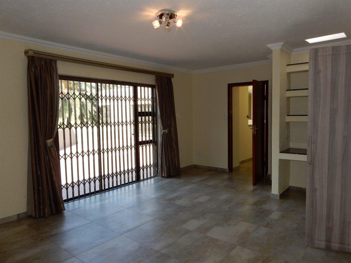Bryanston property for sale. Ref No: 13346431. Picture no 25