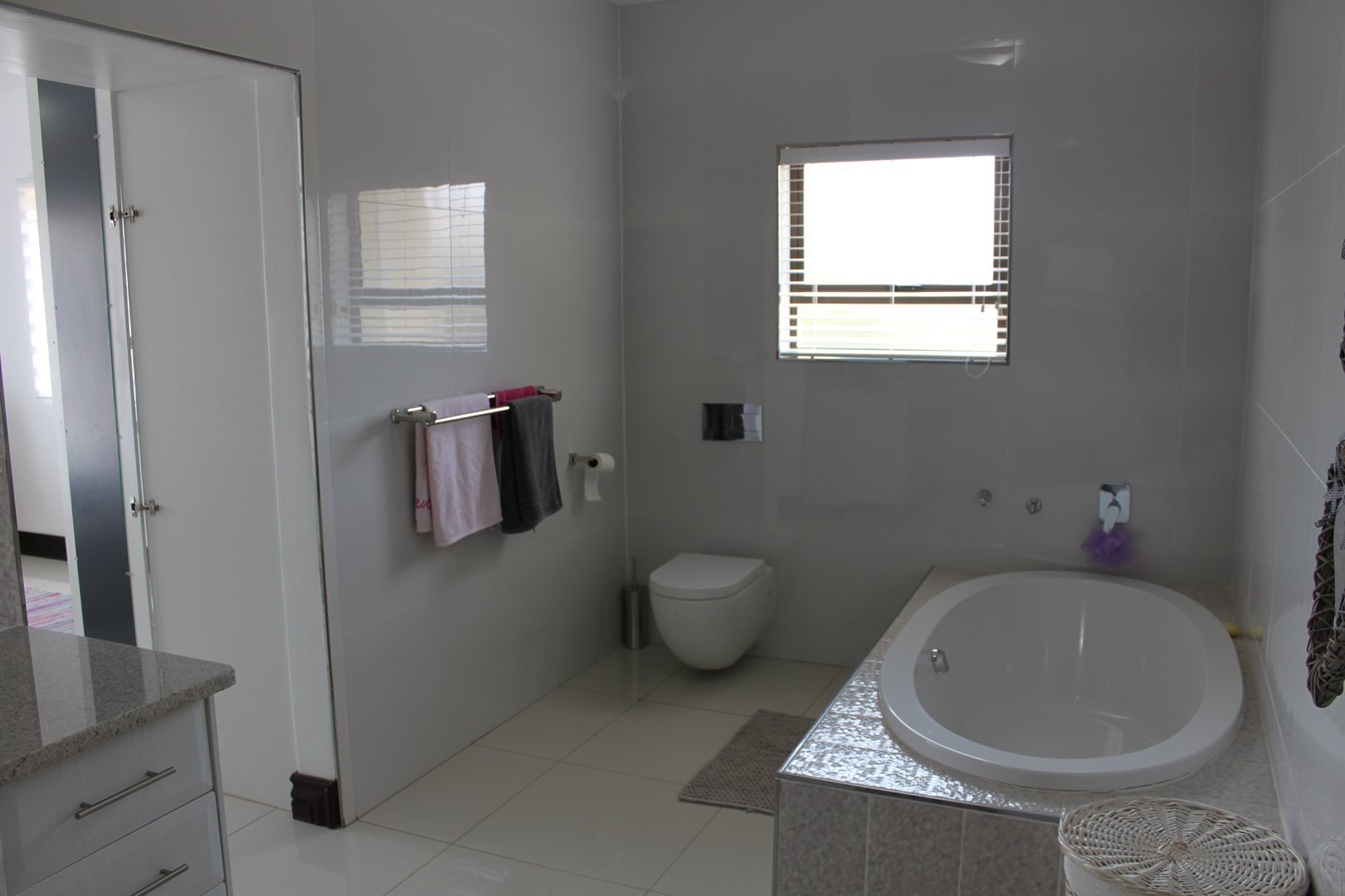 Waterkloof Ridge property for sale. Ref No: 13565299. Picture no 21