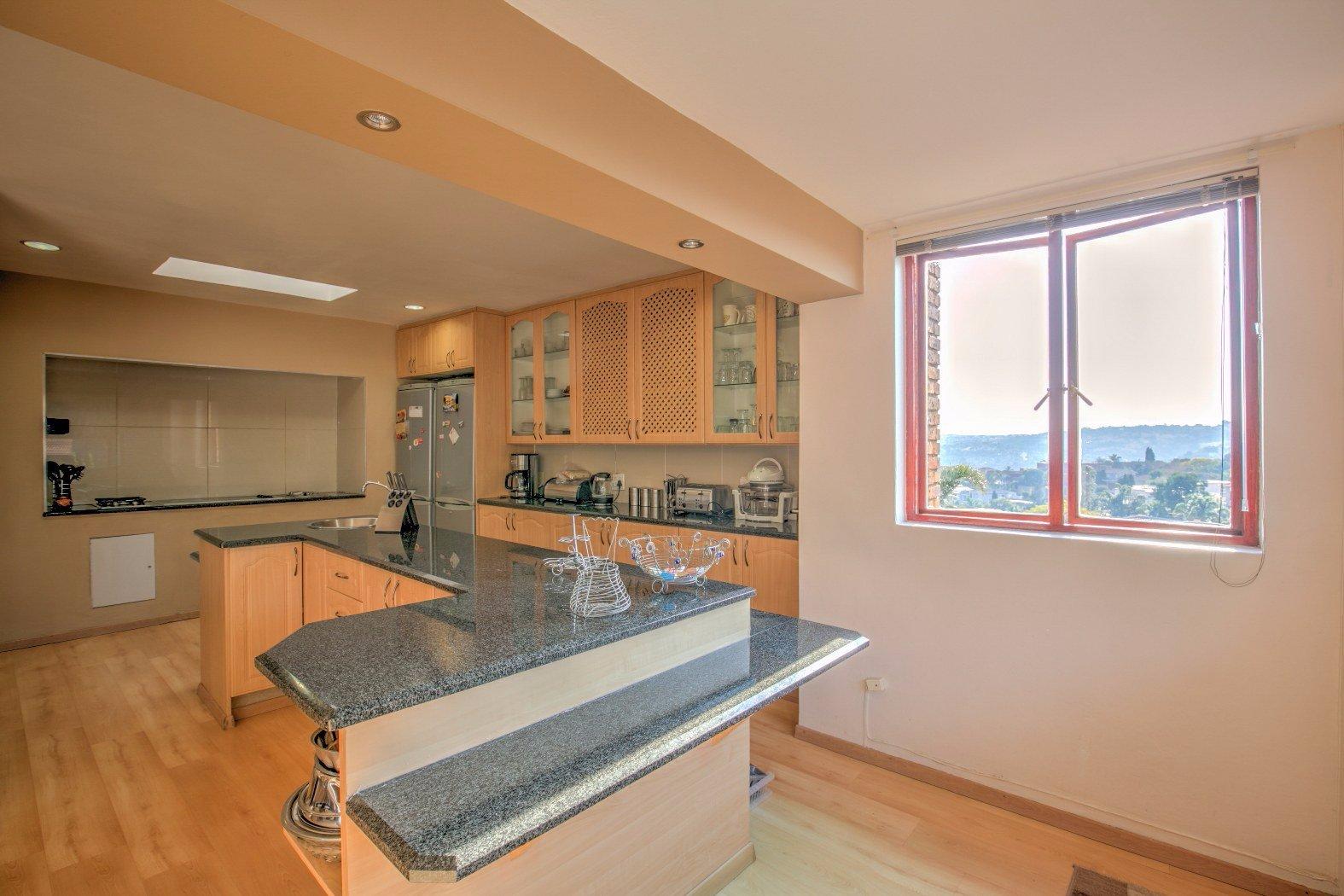 Bassonia property for sale. Ref No: 13506595. Picture no 15
