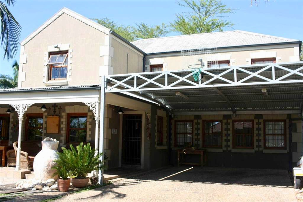 Paarl Central East property for sale. Ref No: 13549591. Picture no 1