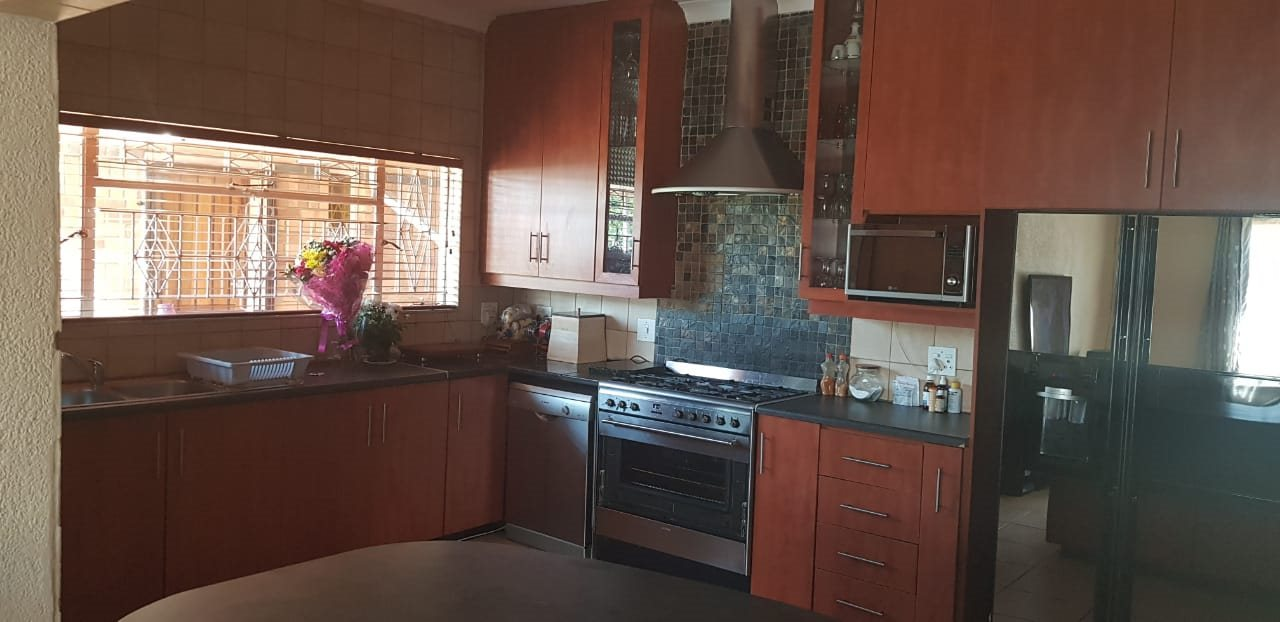 Dalview property for sale. Ref No: 13696599. Picture no 8