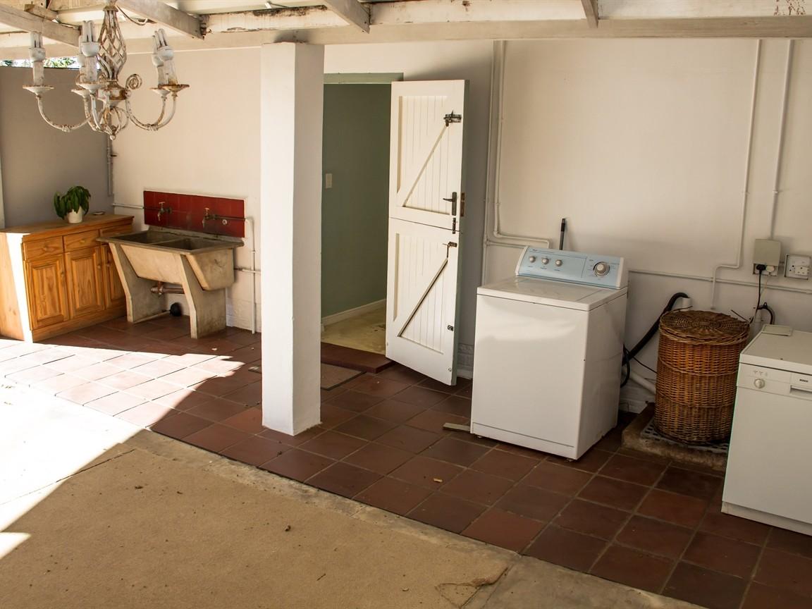 Widenham property for sale. Ref No: 13493005. Picture no 19