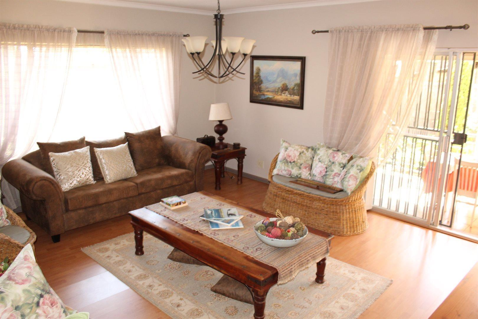 Karenpark property for sale. Ref No: 13566728. Picture no 6
