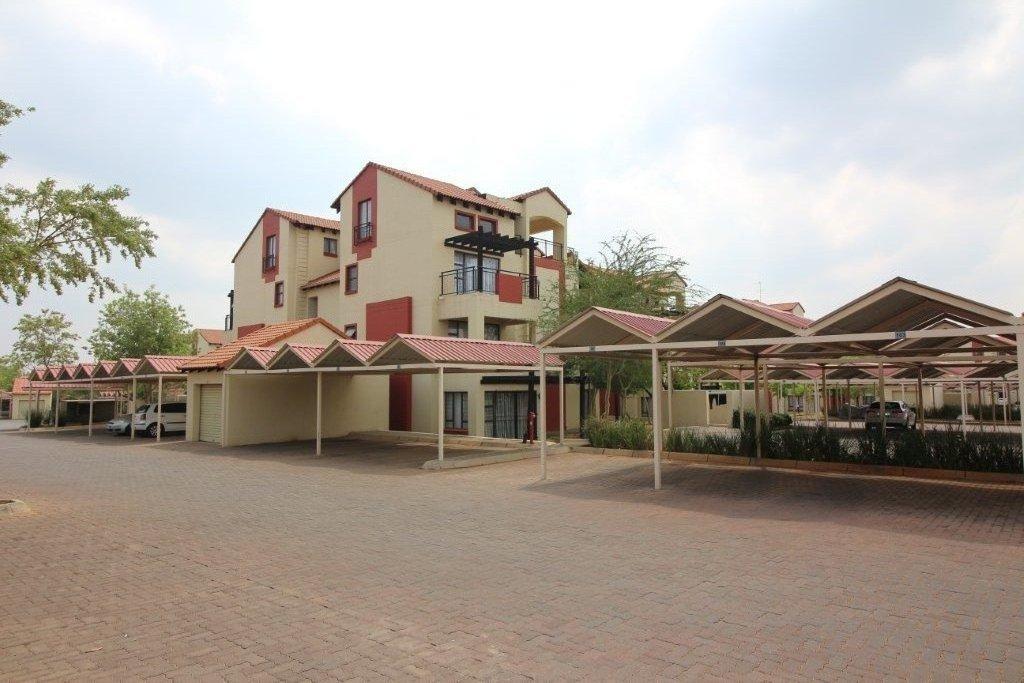 , Apartment, 2 Bedrooms - ZAR 700,000