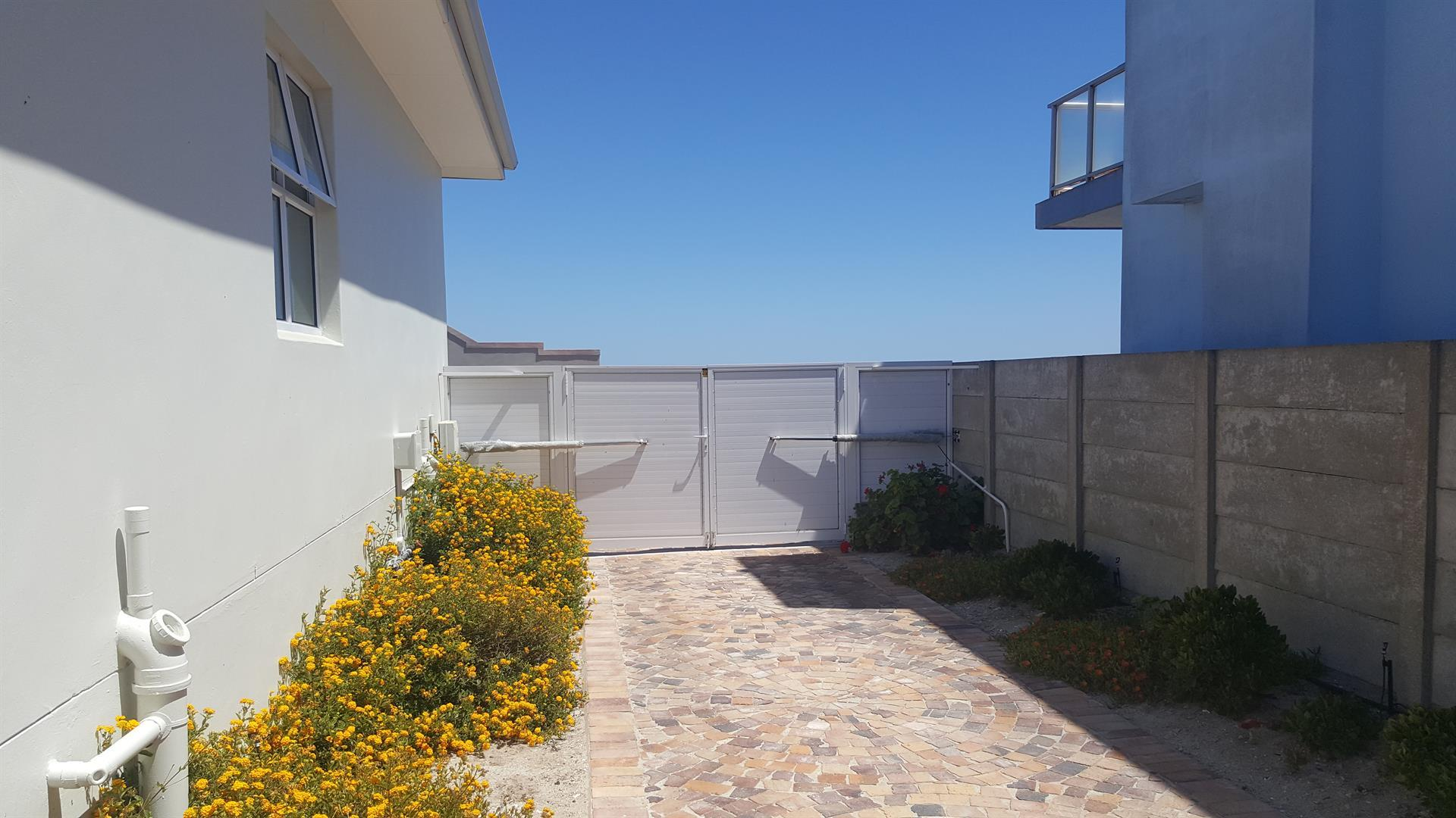 Yzerfontein property for sale. Ref No: 13454156. Picture no 46