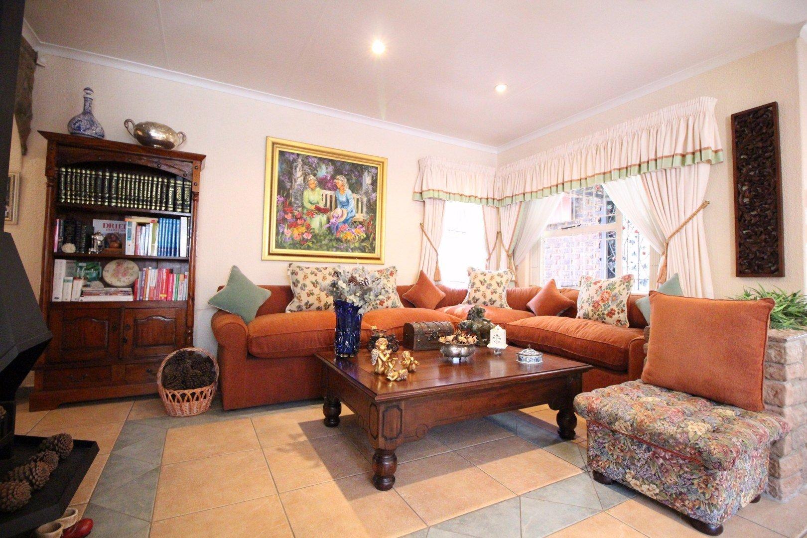 Mulbarton property for sale. Ref No: 13511727. Picture no 11