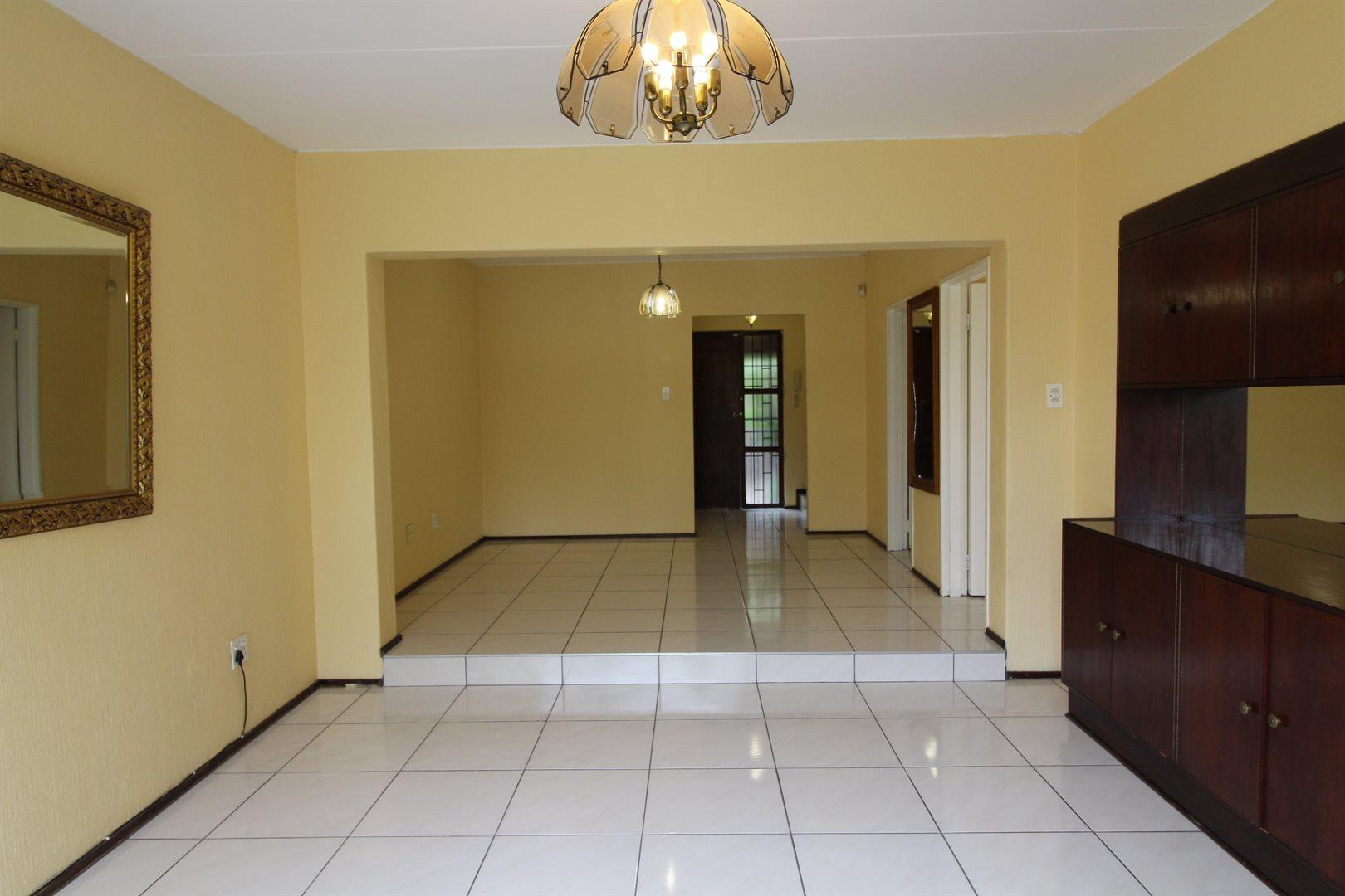 Bryanston property for sale. Ref No: 13552406. Picture no 2