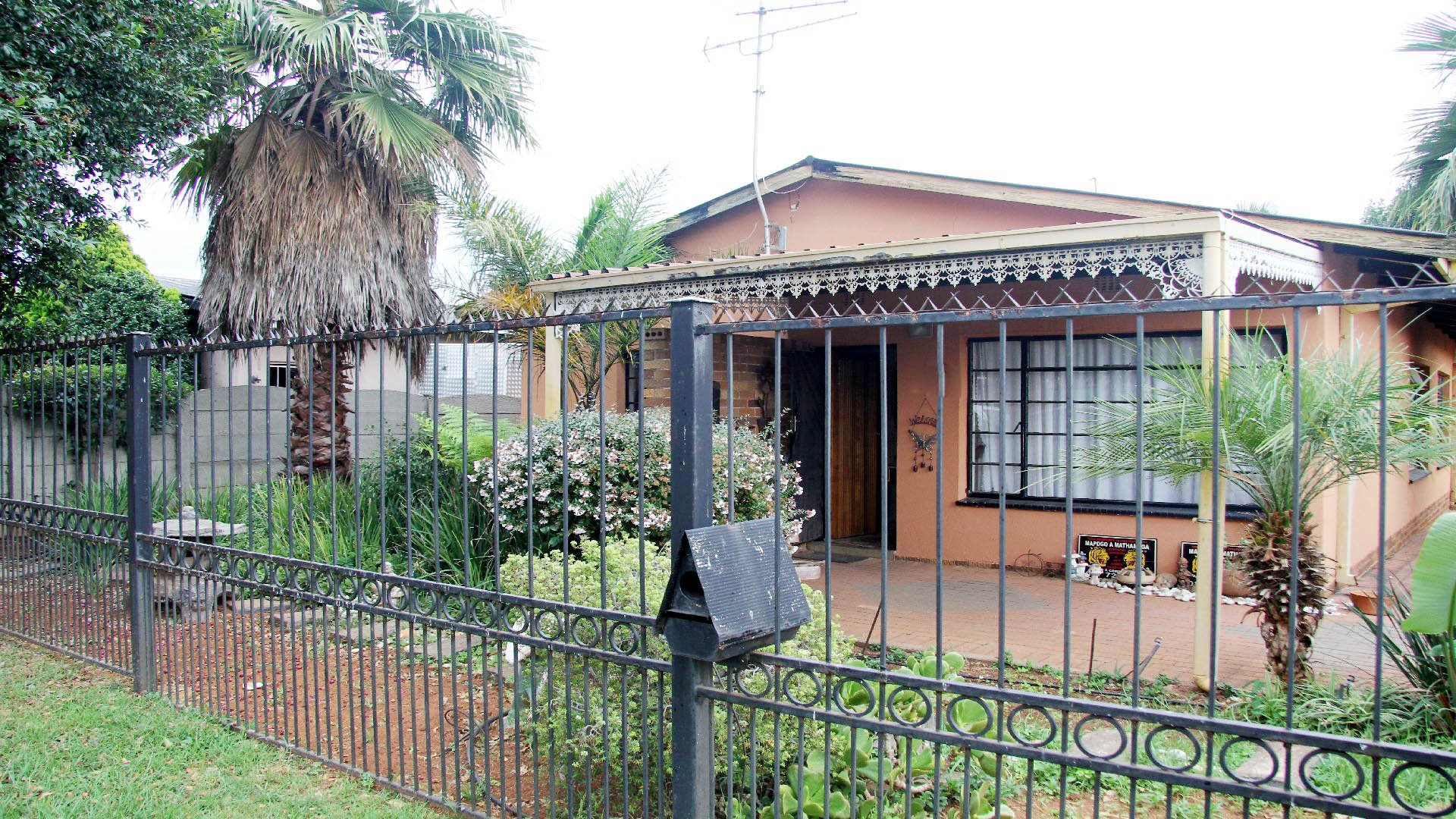 Randfontein, Randgate Property  | Houses For Sale Randgate, Randgate, House 3 bedrooms property for sale Price:595,000