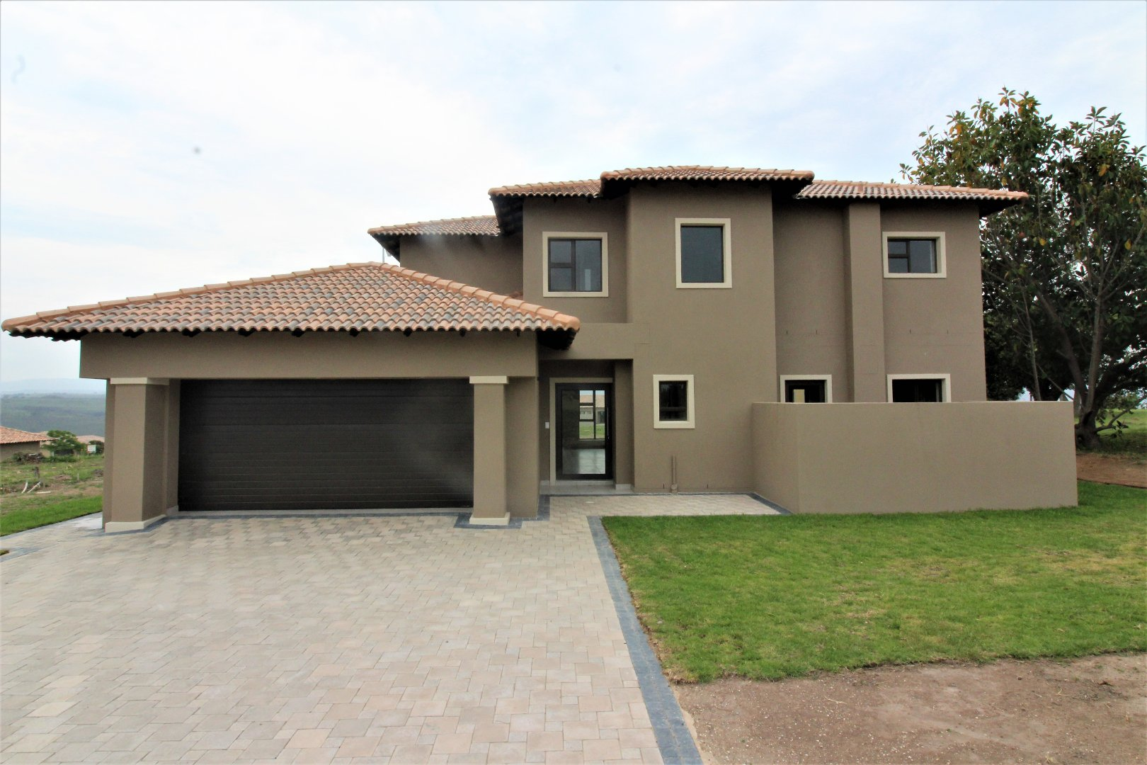 Property for Sale by DLC INC. ATTORNEYS Dale Hobbs, House, 4 Bedrooms - ZAR 3,600,000