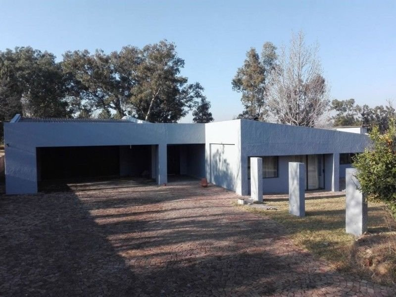 Randburg, Farmall A H Property  | Houses To Rent Farmall A H, Farmall A H, House 4 bedrooms property to rent Price:, 17,00*