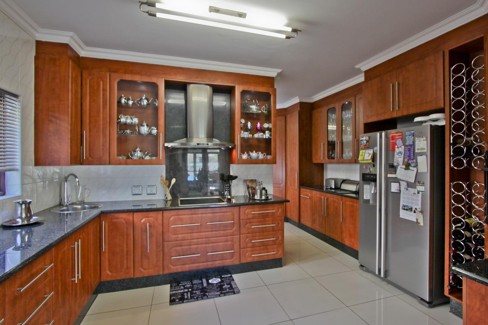 Glenvista property for sale. Ref No: 13525971. Picture no 19