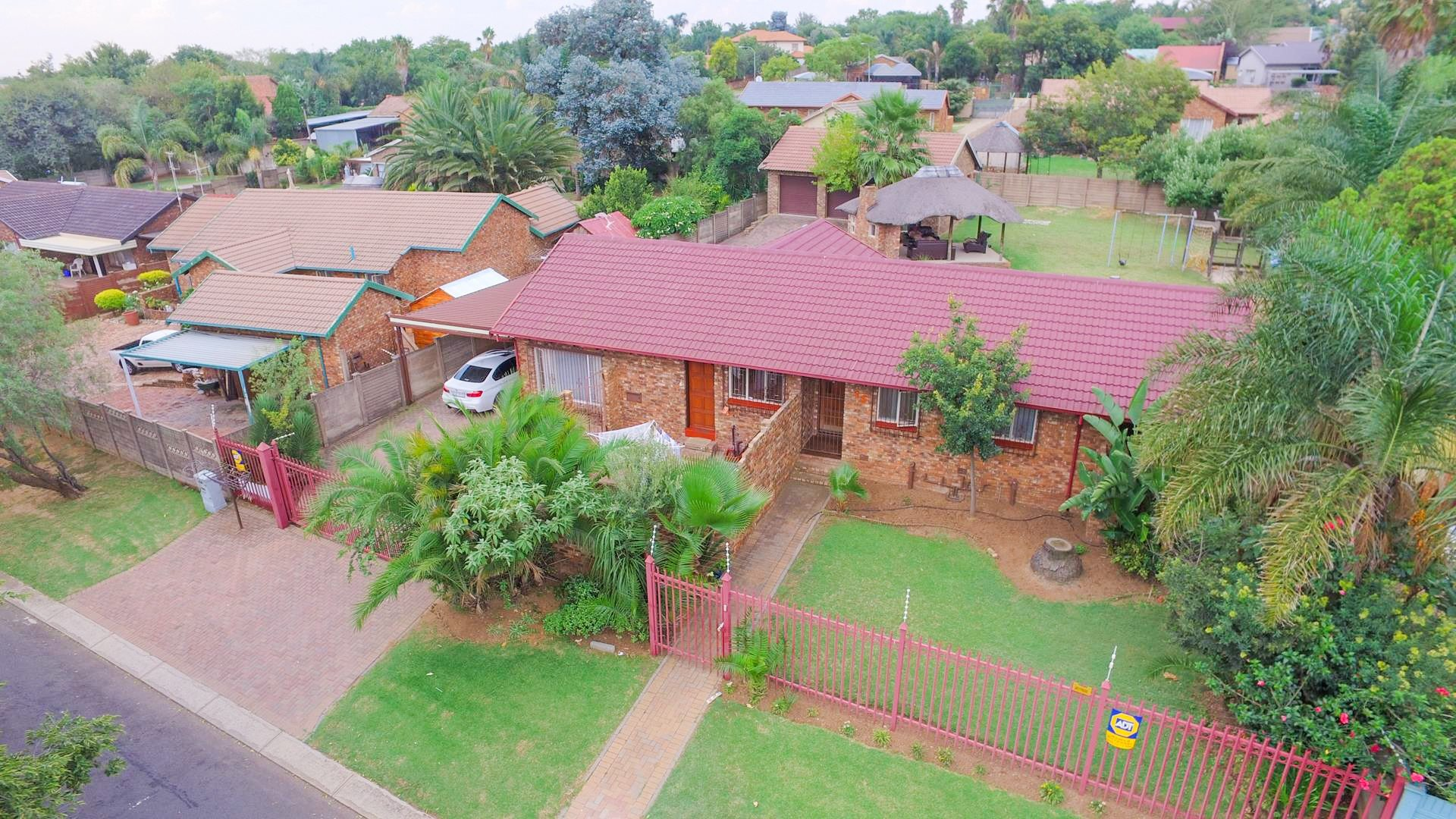 Centurion, The Reeds Property  | Houses For Sale The Reeds, The Reeds, House 3 bedrooms property for sale Price:1,570,000
