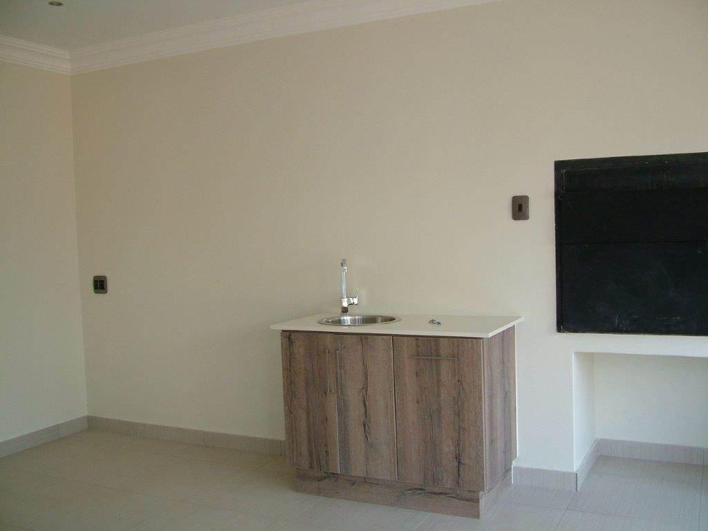 Midstream Ridge Estate property for sale. Ref No: 13500456. Picture no 4