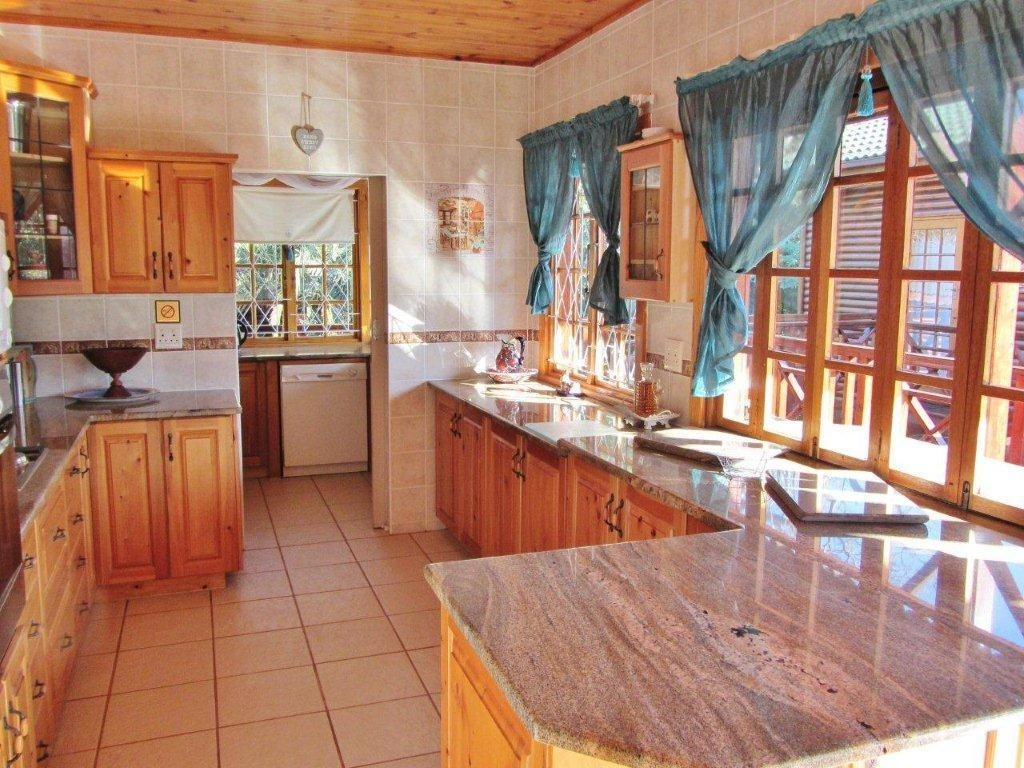 Southbroom property for sale. Ref No: 13399135. Picture no 10