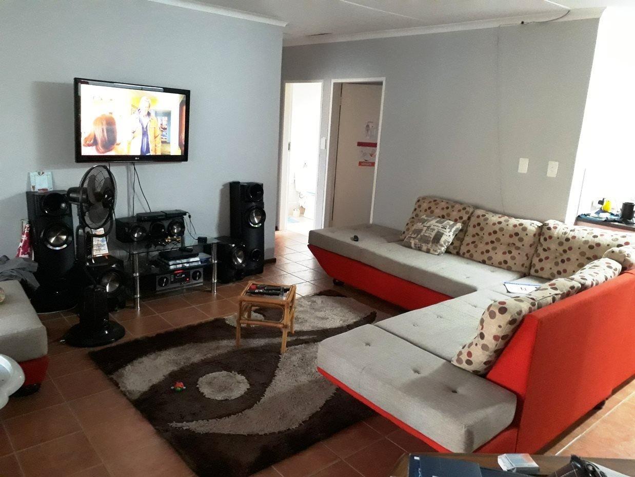 Amandasig property for sale. Ref No: 13588263. Picture no 5