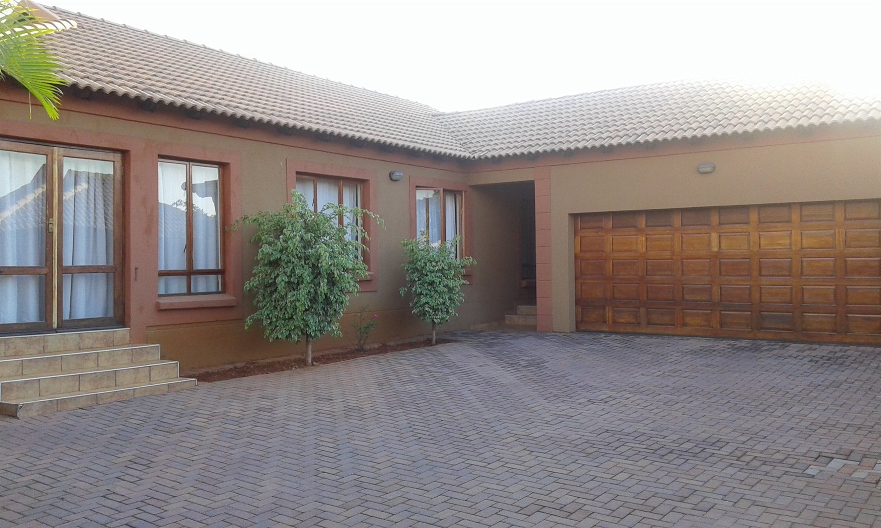 Property and Houses for sale in Heatherview, House, 3 Bedrooms - ZAR 1,350,000