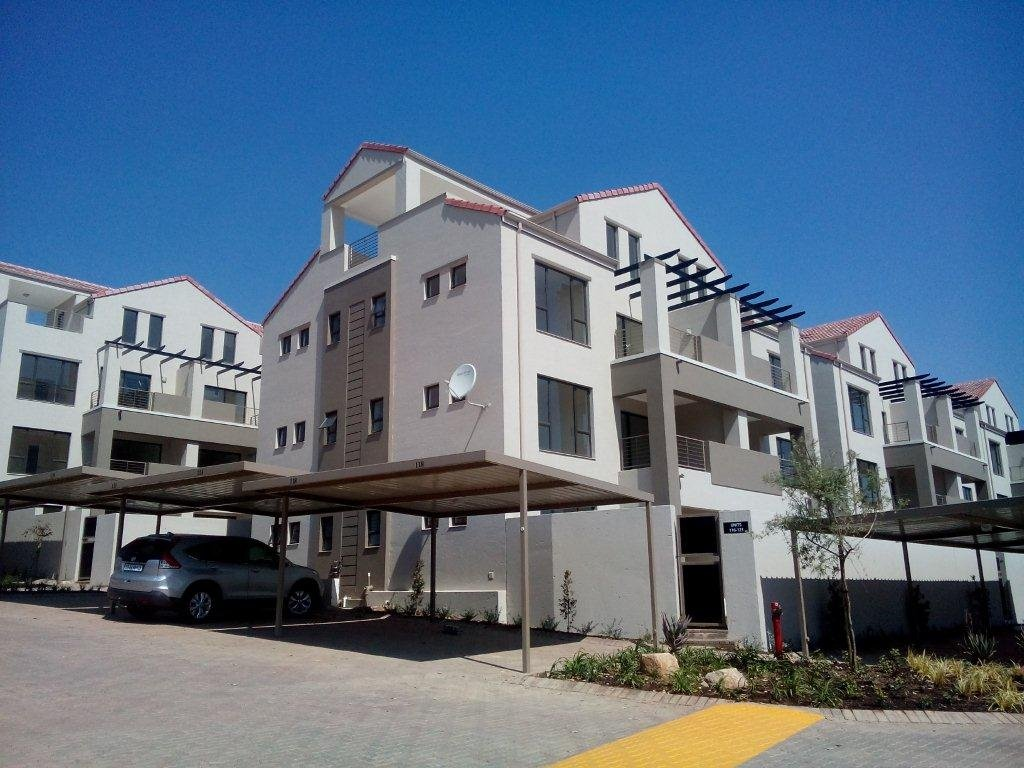 Bryanston property to rent. Ref No: 13560769. Picture no 2