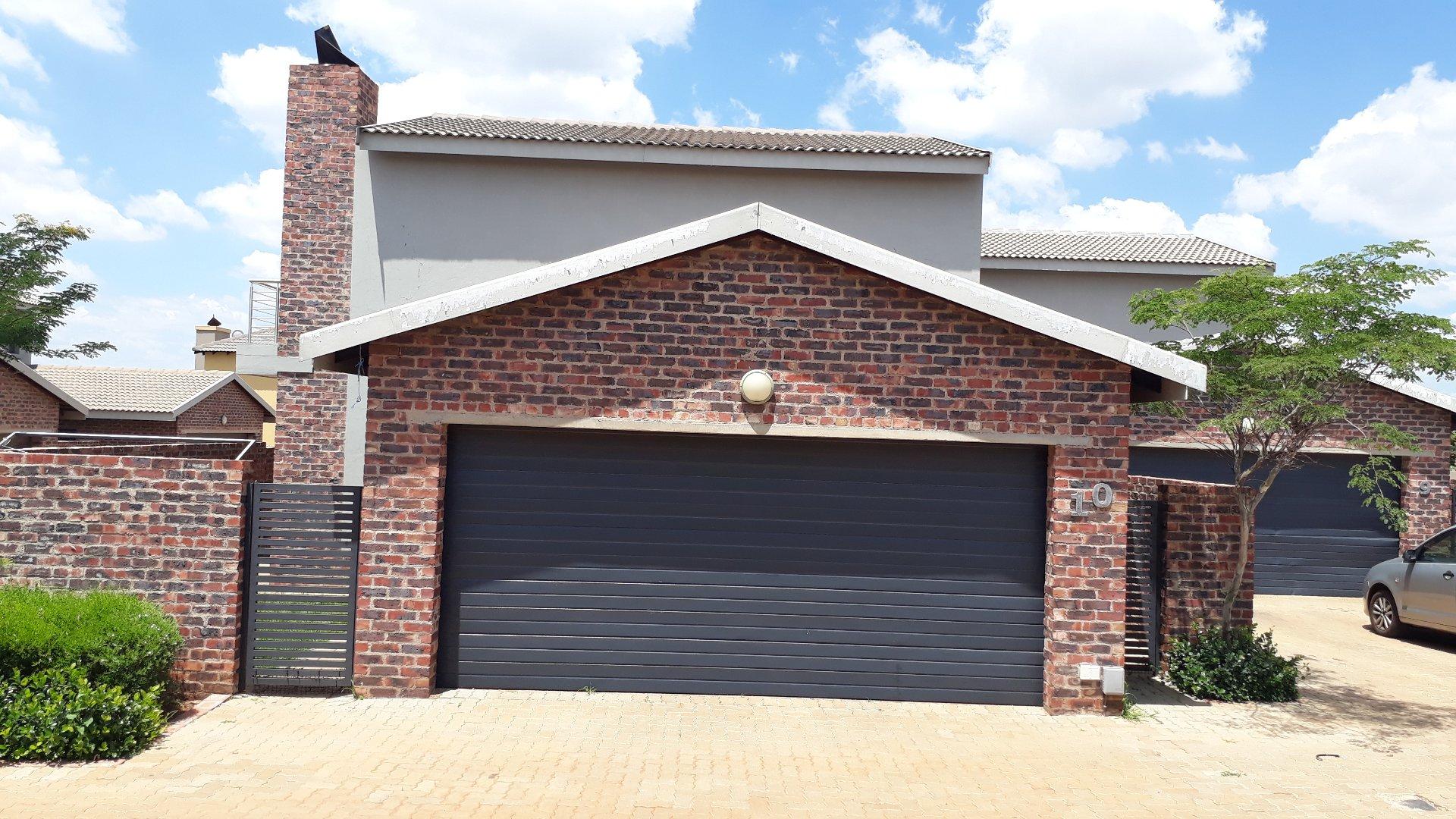 Centurion, Raslouw Property  | Houses To Rent Raslouw, Raslouw, Townhouse 3 bedrooms property to rent Price:, 10,00*