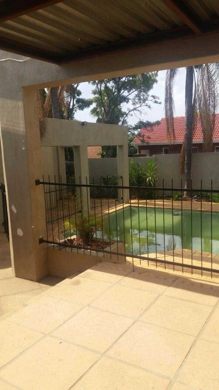 Theresapark property for sale. Ref No: 13567189. Picture no 3