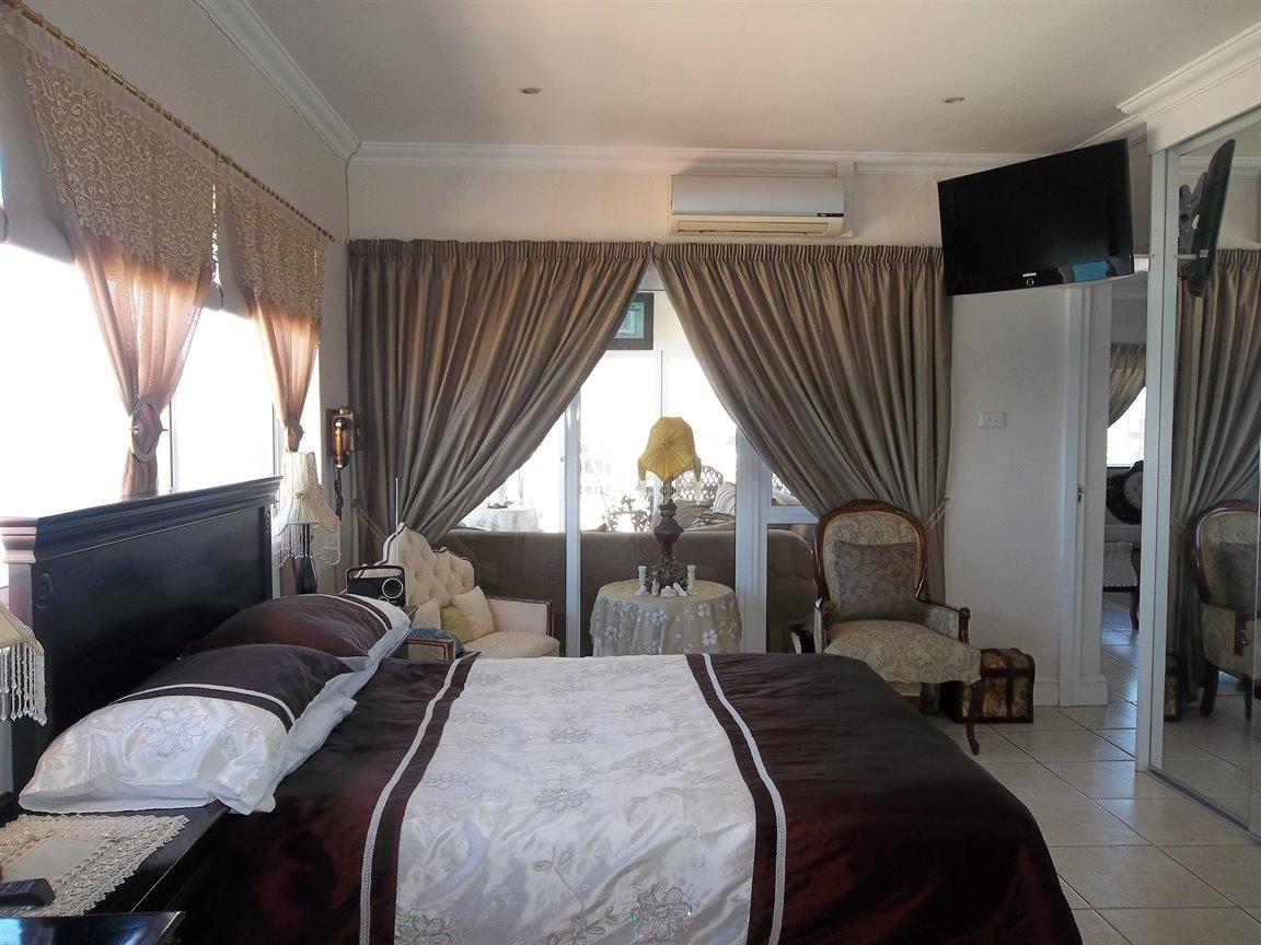 Amanzimtoti property for sale. Ref No: 13400263. Picture no 8