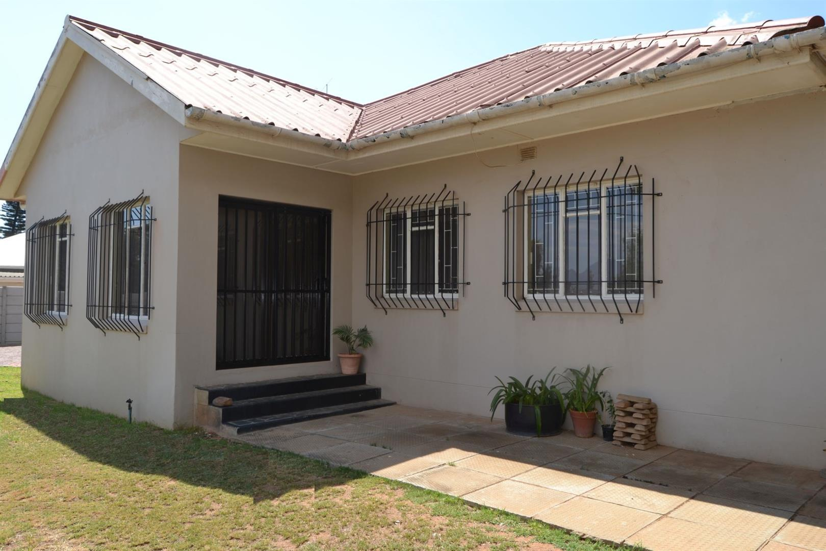 Worcester, Van Riebeeck Park Property  | Houses For Sale Van Riebeeck Park, Van Riebeeck Park, House 4 bedrooms property for sale Price:1,435,000