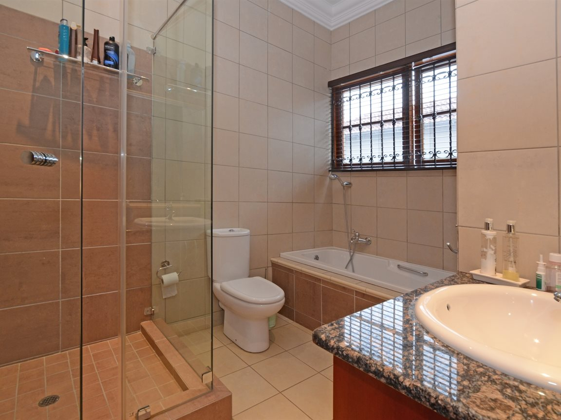 Morningside property for sale. Ref No: 13338027. Picture no 10