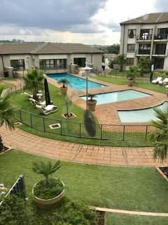 Property and Houses to rent in Wendywood, Apartment, 2 Bedrooms - ZAR , 18,00*,M