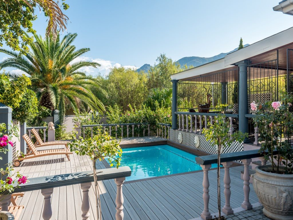 Franschhoek property for sale. Ref No: 13327931. Picture no 1