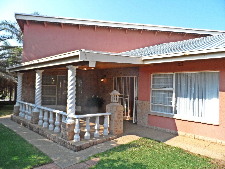 Krugersdorp, Dan Pienaarville & Ext Property  | Houses For Sale Dan Pienaarville & Ext, Dan Pienaarville & Ext, House 3 bedrooms property for sale Price:999,000