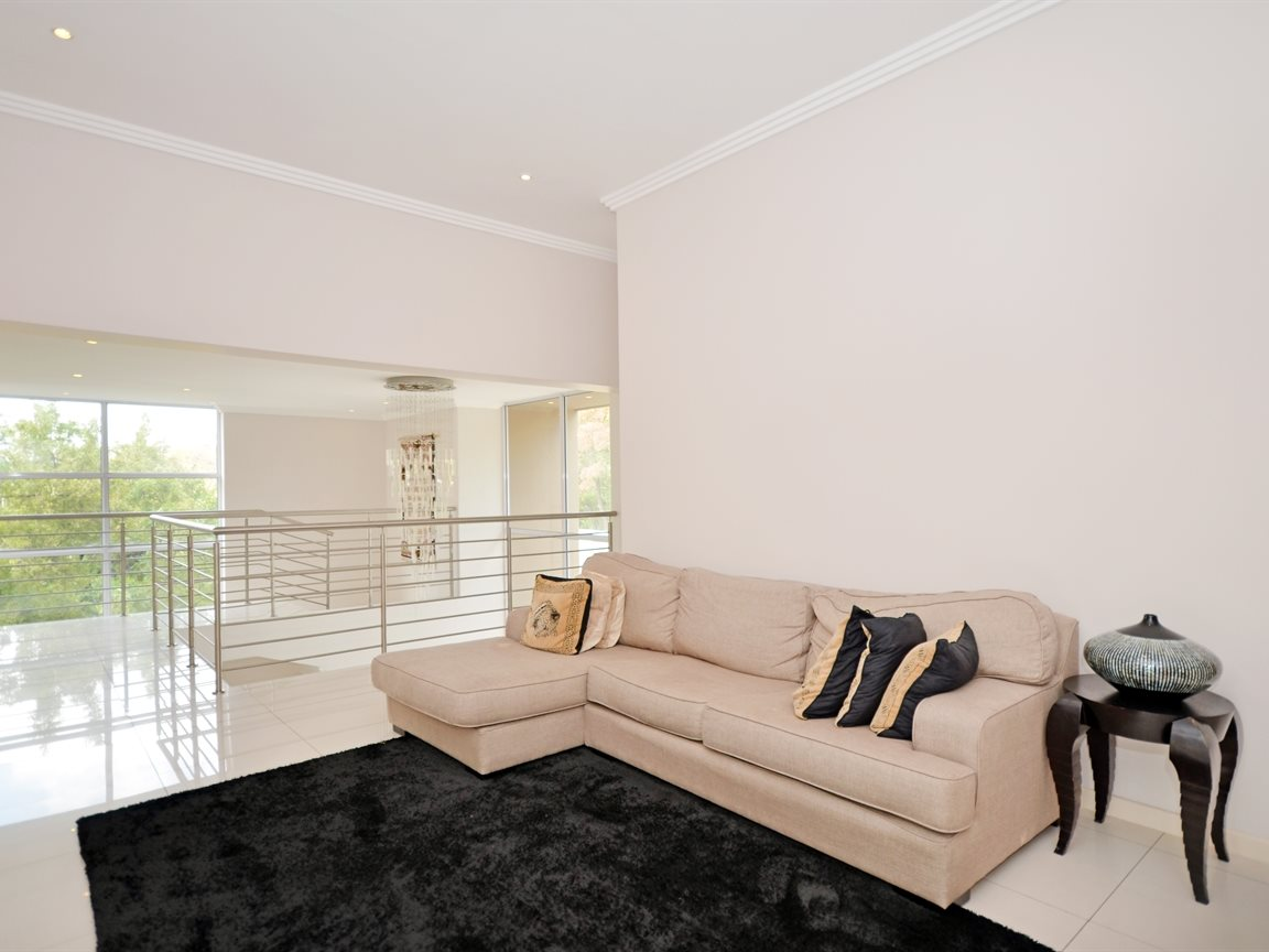Morningside property for sale. Ref No: 13336984. Picture no 8