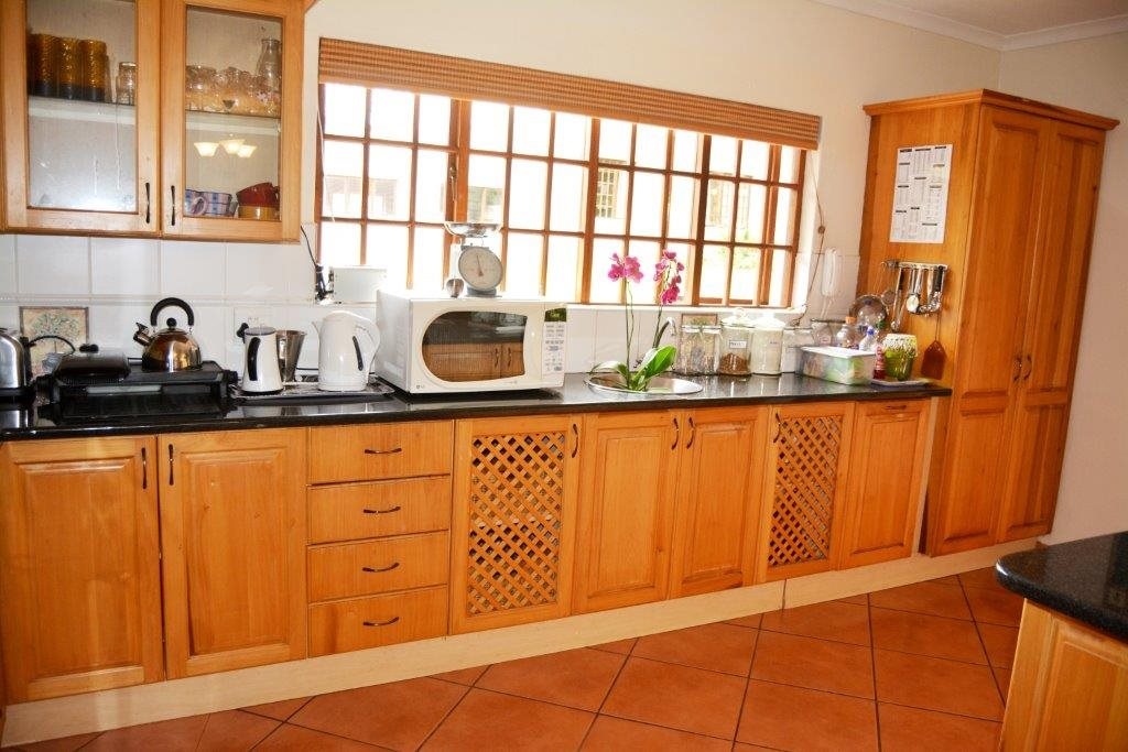 Uvongo property for sale. Ref No: 13386814. Picture no 7