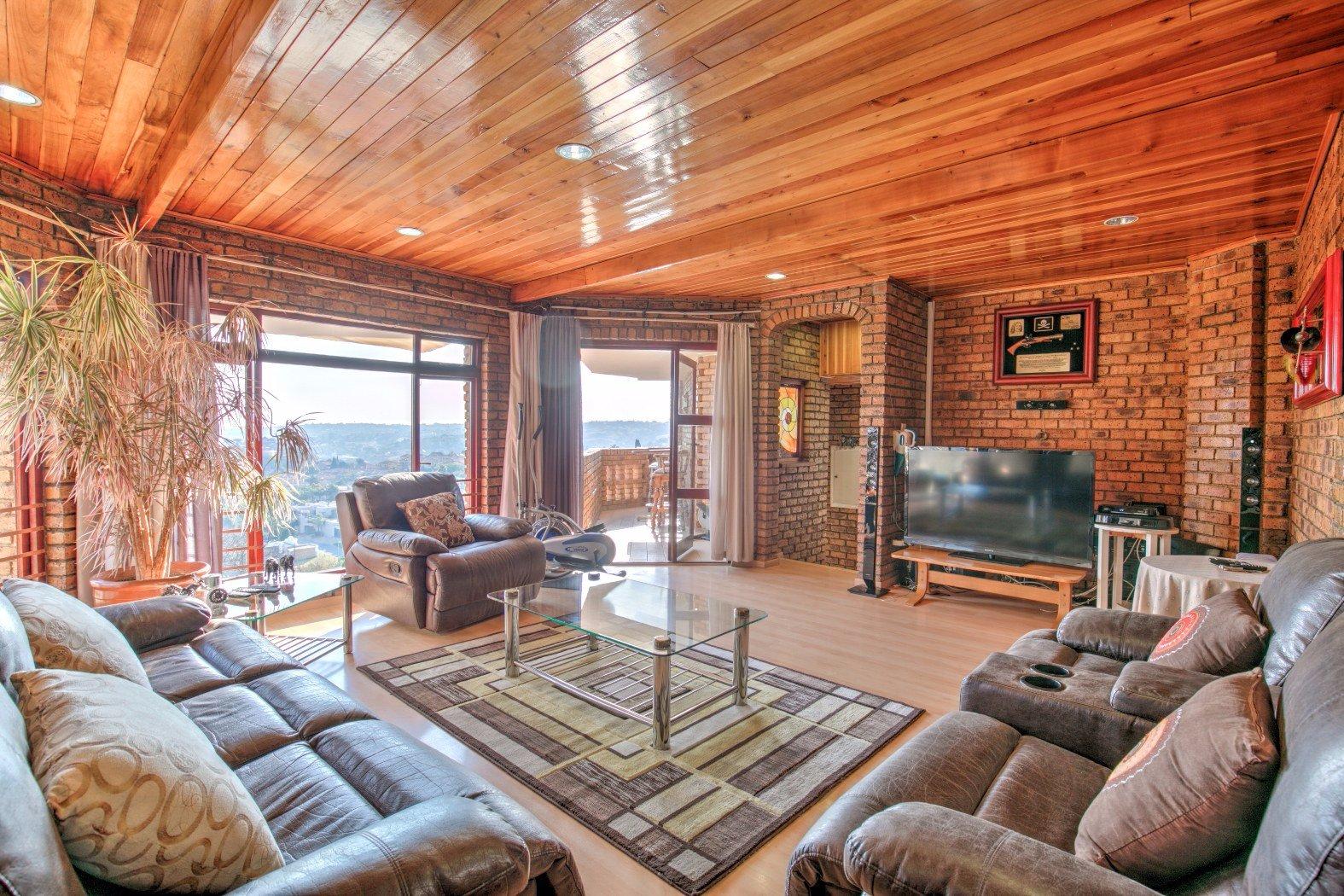 Bassonia property for sale. Ref No: 13506595. Picture no 2