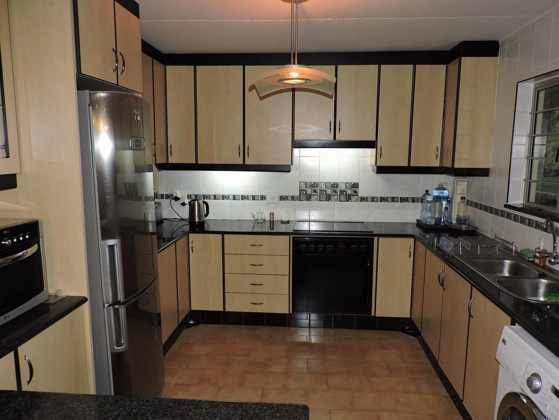 Amanzimtoti property for sale. Ref No: 13605301. Picture no 10