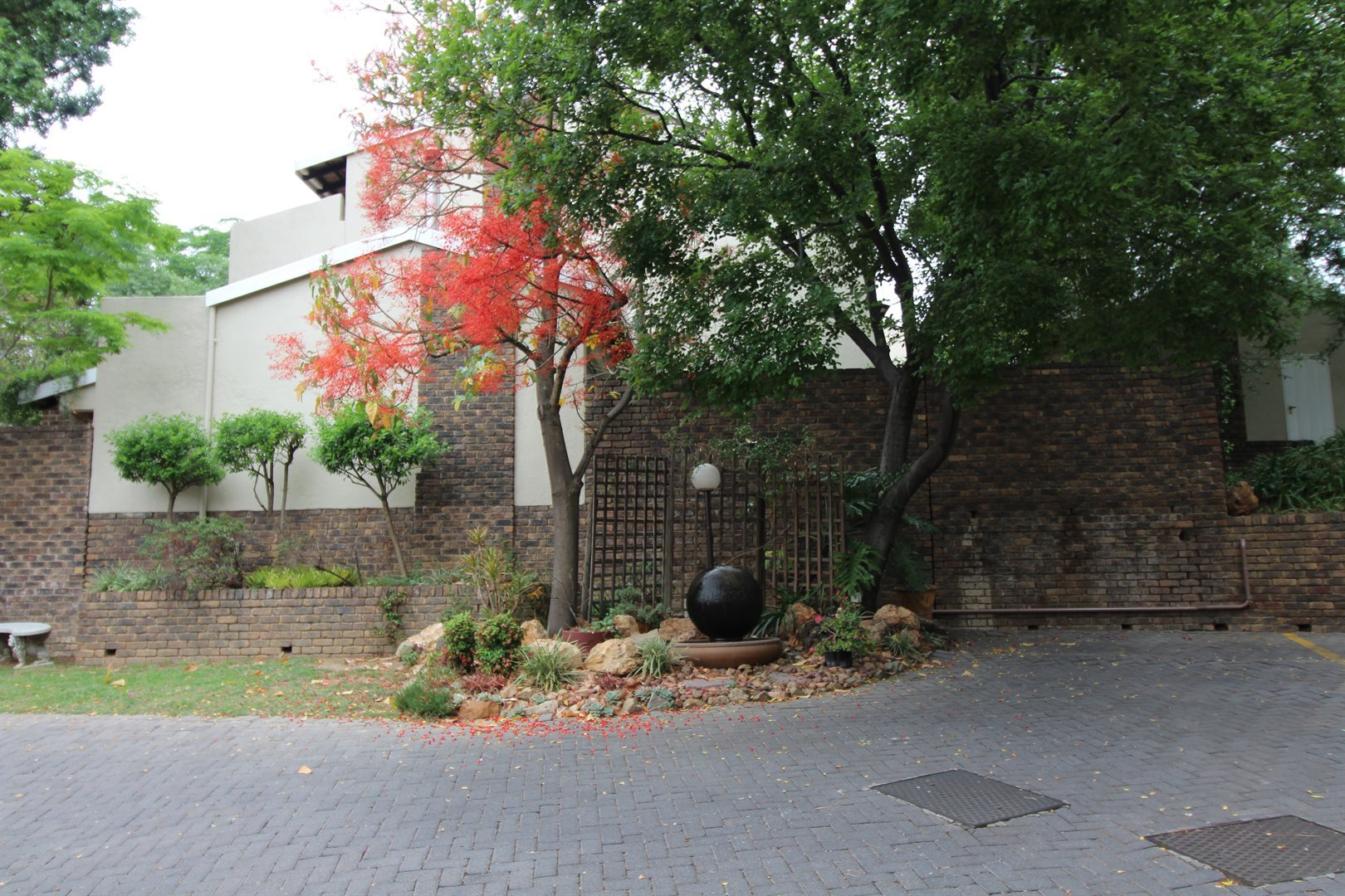 Bryanston property for sale. Ref No: 13552406. Picture no 33