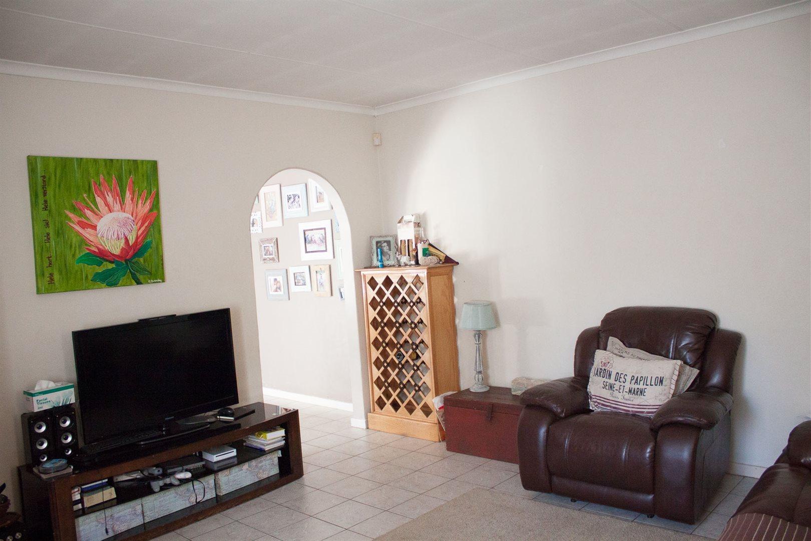 Zwartkop property for sale. Ref No: 13533274. Picture no 5