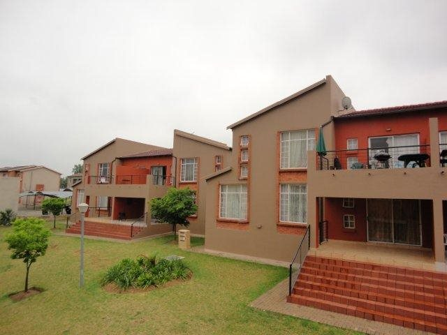 Roodepoort, Honeydew Property  | Houses To Rent Honeydew, Honeydew, Townhouse 2 bedrooms property to rent Price:,  6,00*