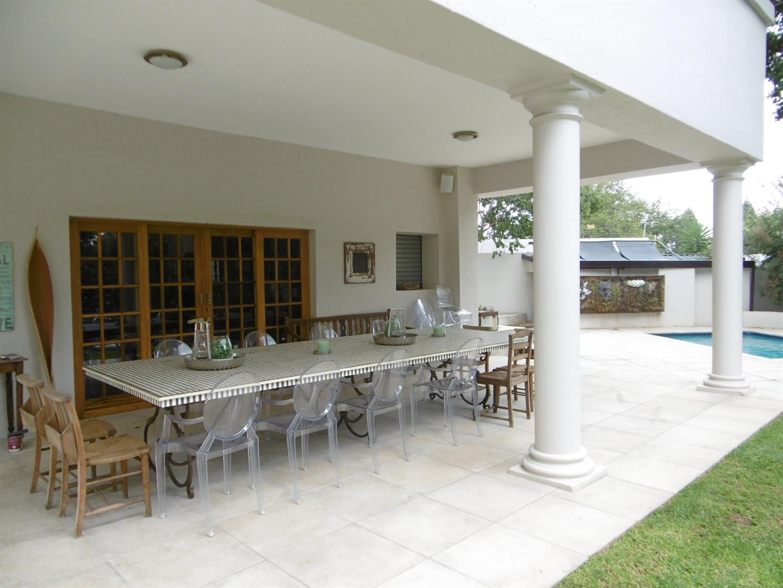 Bryanston property for sale. Ref No: 13443961. Picture no 17