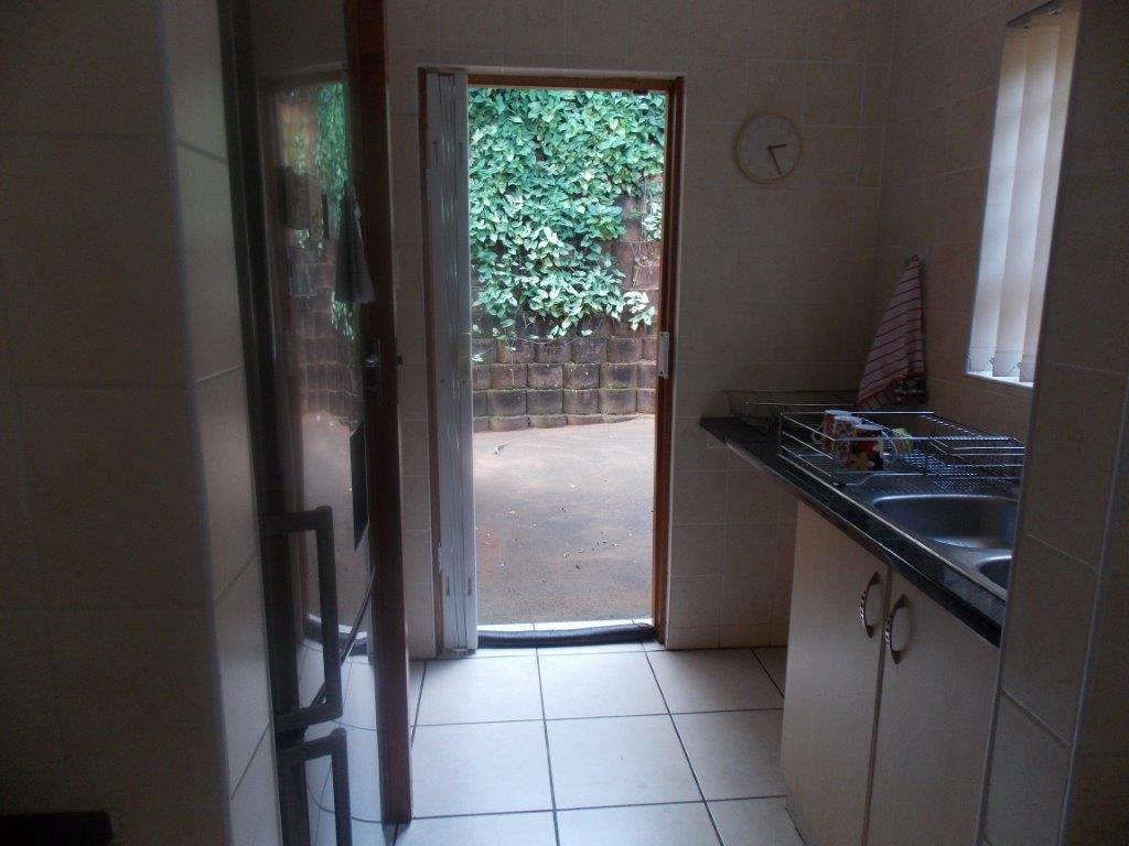 Amanzimtoti property for sale. Ref No: 13372994. Picture no 21