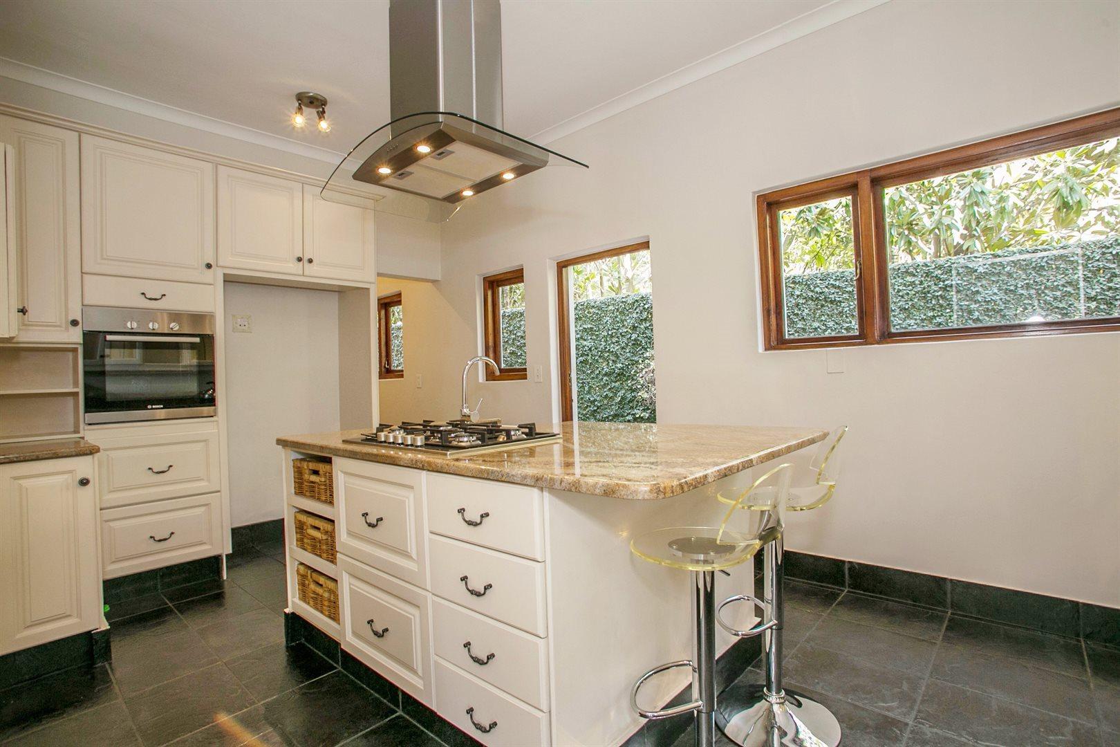 Dainfern Golf Estate property for sale. Ref No: 13381182. Picture no 3