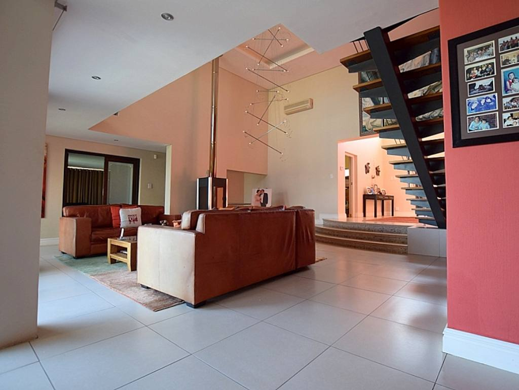 Property and Houses for sale in Baronetcy Estate, House, 5 Bedrooms - ZAR 9,850,000